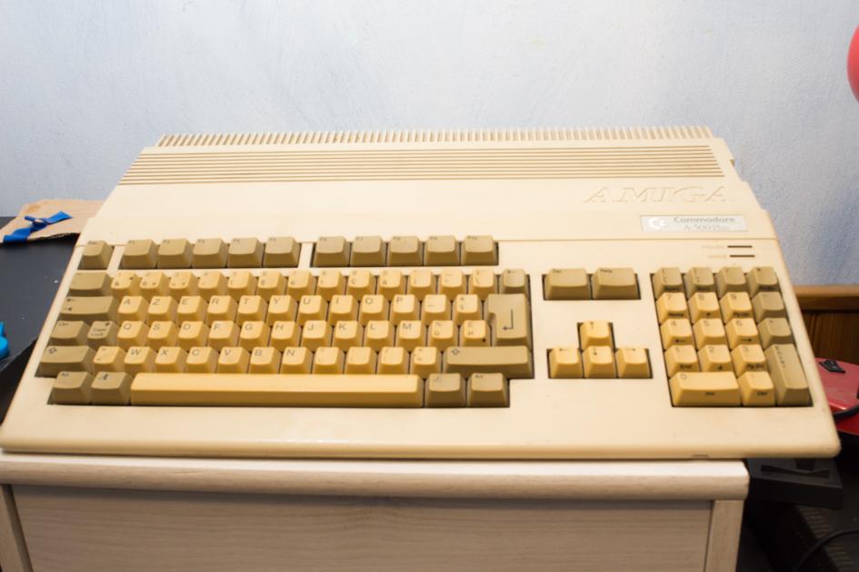 La collection de Monos  Amiga_500_sonia
