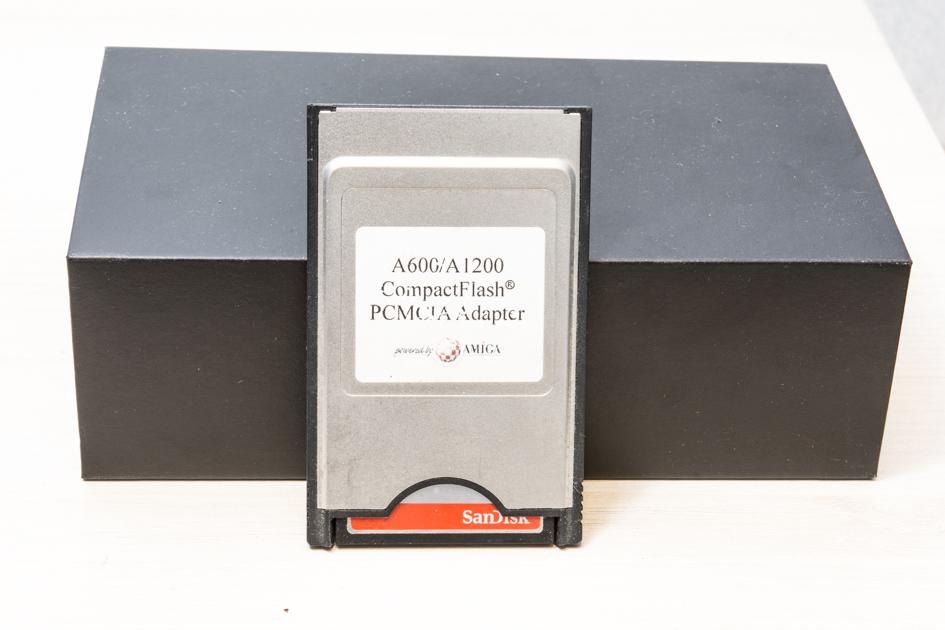 La collection de Monos  Amiga_compacte_flash